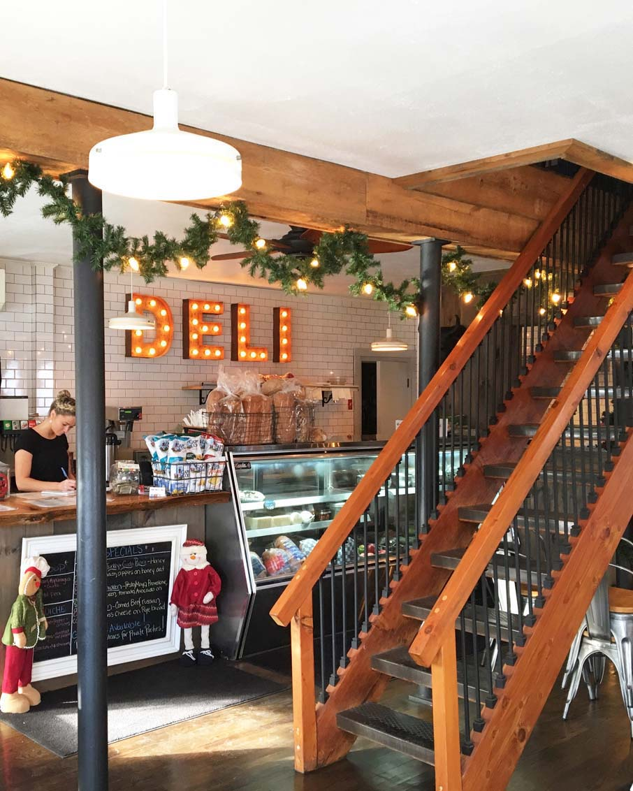 bennington vermont restaurant bellys deli