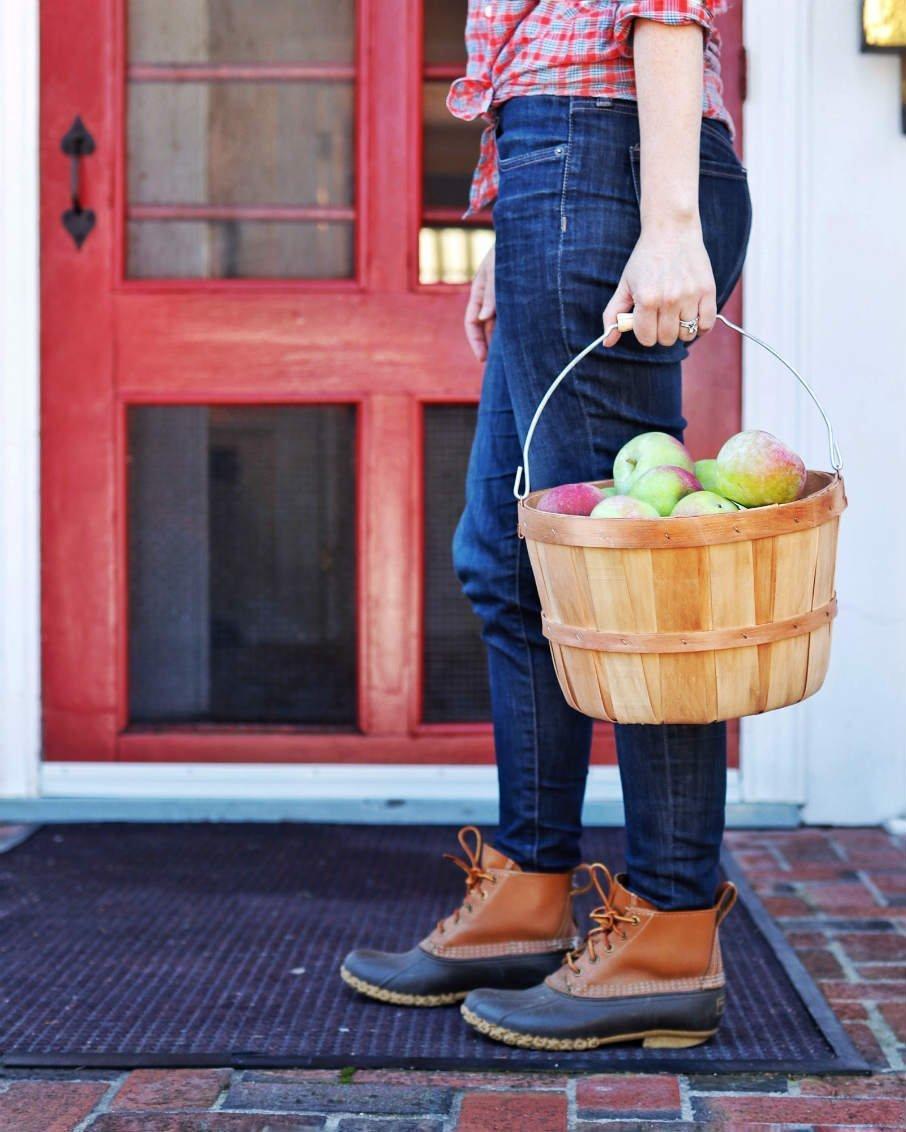 apple picking vermont lifestyle