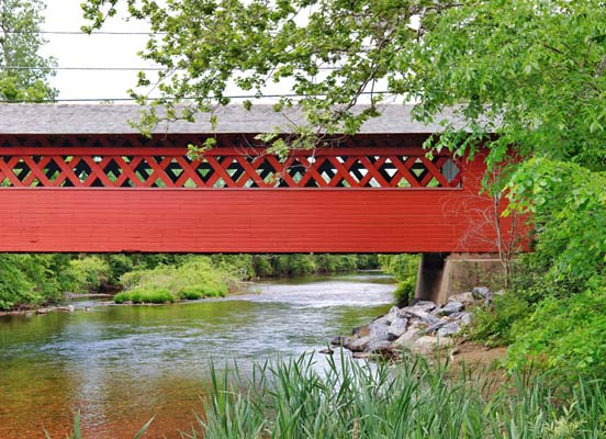 vermont-covered-bridge-summer