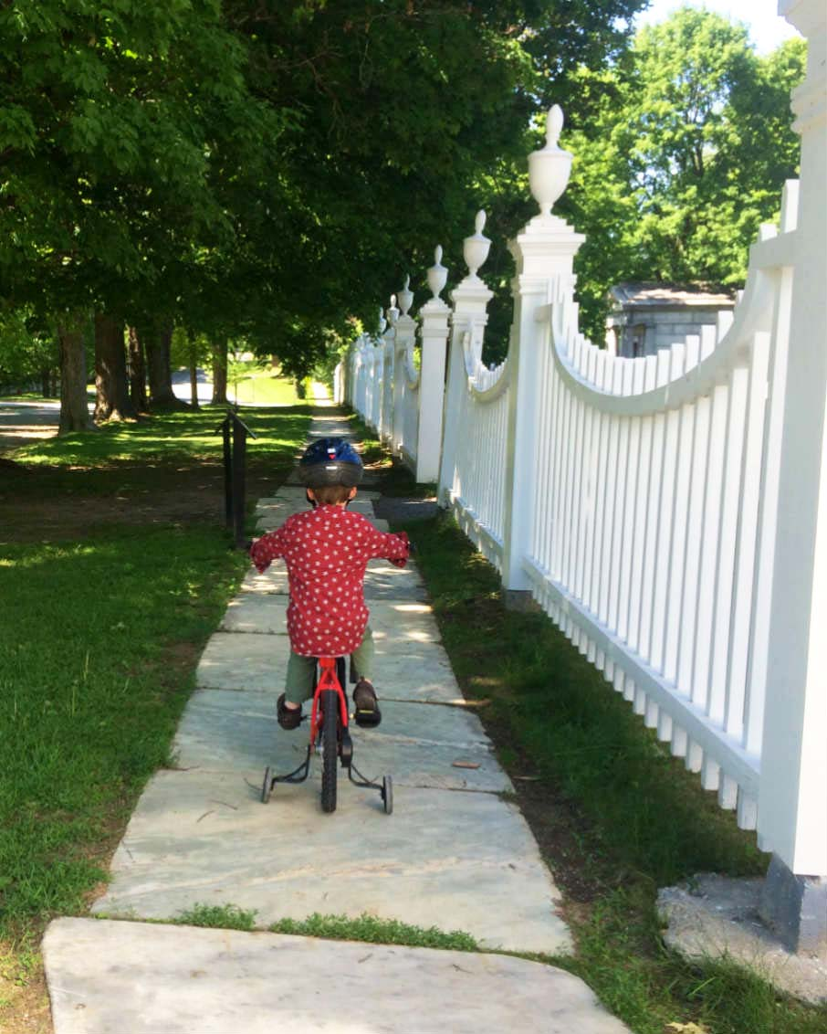 move to vermont lifestyle kid riding bike