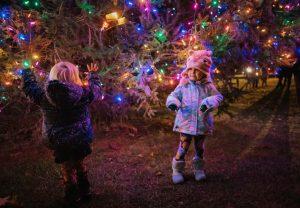 little girls at bennington vt christmas tree lighting